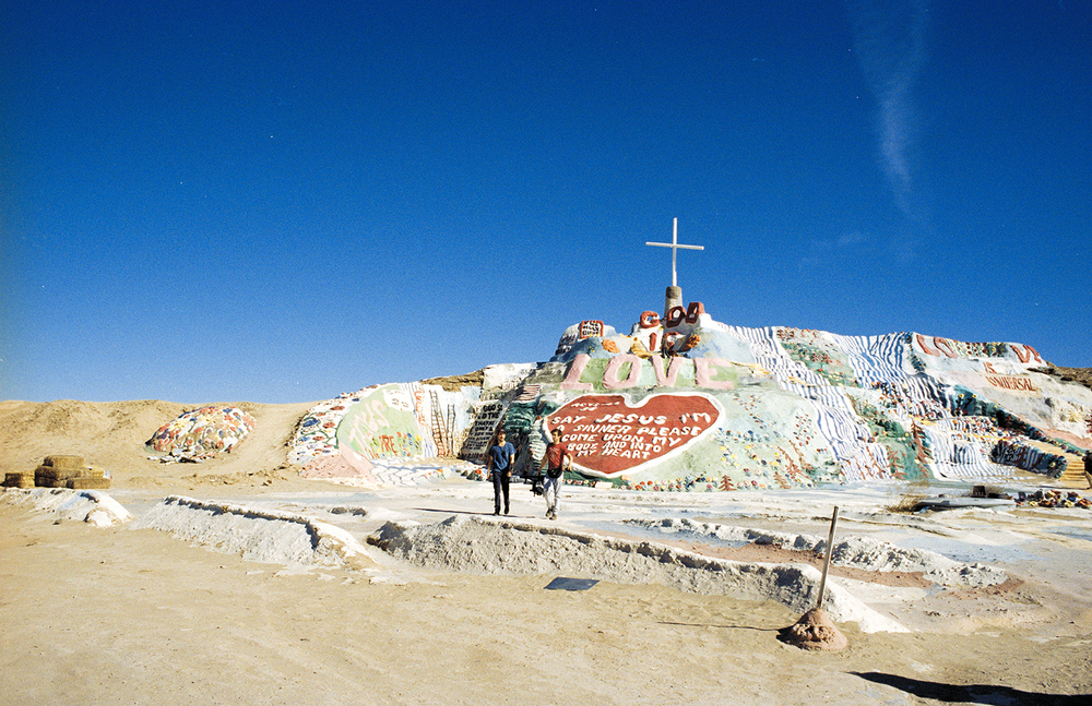 JAW_SalvationMountain-30ps.jpg
