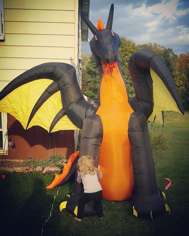 Starting a new tradition, daily dragon hugs in the front yard. The pixie is obsessed with the dragon this year. #thisisus #oureverydaysimplicity