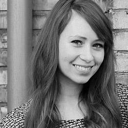 Lisa B. Früher Nähkönigin-Model, heute hinter den Kulissen derSOUND & FASHIONEventstätig. Mit ihrem Charme und ihrem Talent immer dort zu sein, wo sie gerade gebraucht wird, ist Lisa außerdem DIE Anlaufstelle bei denKonzerten: Moderation, Künstlerkontakt, Back-Office und Auskunftsstelle in einem. Kontakt:konzerte@actionhouse.org
