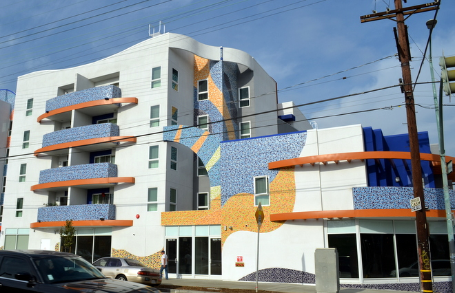 Boyle-Heights-apartment-building-with-mosaic-tile-12-10-2014-3-07-02-AM.jpg