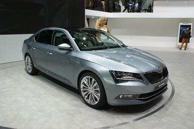 Škoda Superb-20358.jpg
