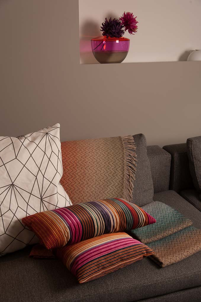 UITZONDERLIJKE COLLECTIE MEER DAN 100 MERKEN Meubel- en designmerken voor iedere smaak en designbudget. Van stoelen,tafels, kasten en bedden tot tapijten,verlichting en keukens.