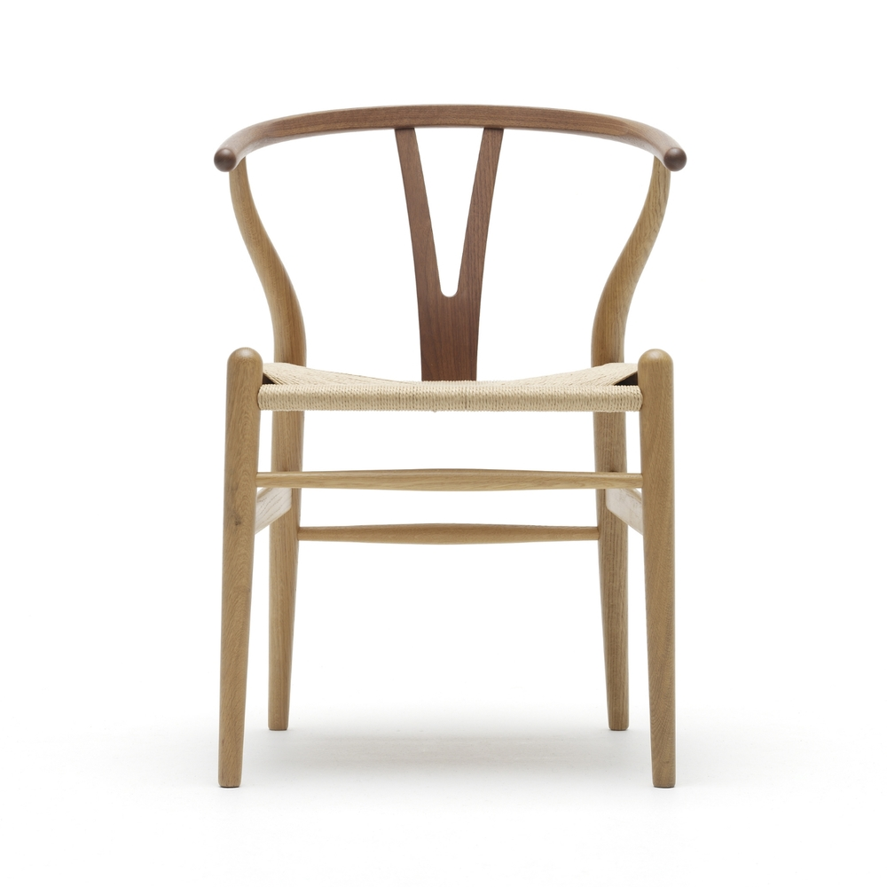 "Carl Hansen & Søn ""Wishbone Chair"" CH24 ontworpen door Hans J. Wegner"