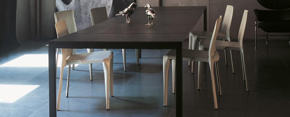 195_naan_3 Cassina Loncin design verlengbare tafel meubel zetel Leuven Brussels mechelen antwerpen vlaams-branbant Limburg Hasselt Tongeren Genk Sint-Truiden Zoutleeuw.jpg