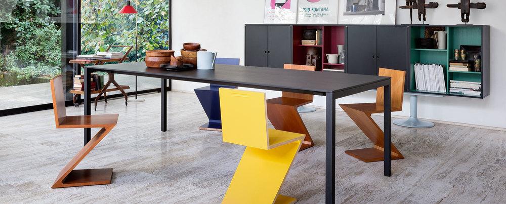 195_naan_1 Cassina Loncin design verlengbare tafel meubel zetel Leuven Brussels mechelen antwerpen vlaams-branbant Limburg Hasselt Tongeren Genk Sint-Truiden Zoutleeuw.jpg