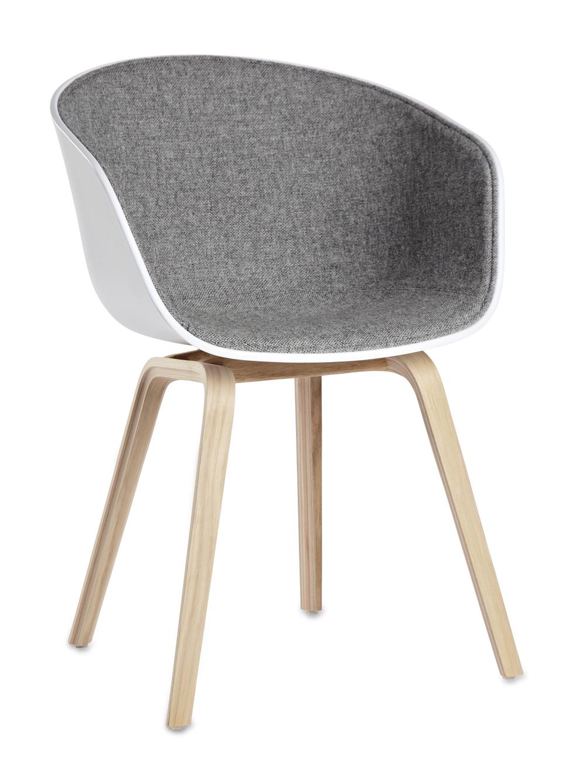 AAC22 Oak Soaped Base white w. front uph hallingdal 130 HAY About a chair design stoel Loncin design meubel zetel Leuven Brussels mechelen antwerpen vlaams-branbant Limburg Hasselt Tongeren Genk Sint-Truiden Zoutleeuw.jpg