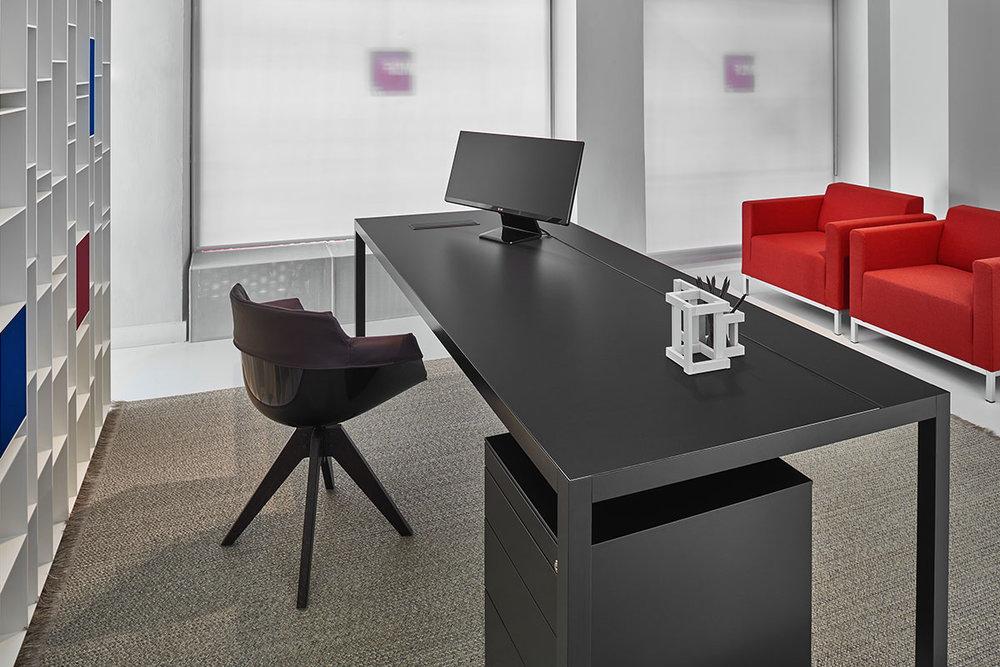 MDF Italia Desk 3.0 Loncin design meubelwinkel interieur bureel office inrichting Leuven Mechelen Brussels Bruxelles Brussel Antwerpen Gent Liege Luik Kortrijk Knokke Oostende Hasselt Genk Maastricht slider_Desk30_04c.jpg