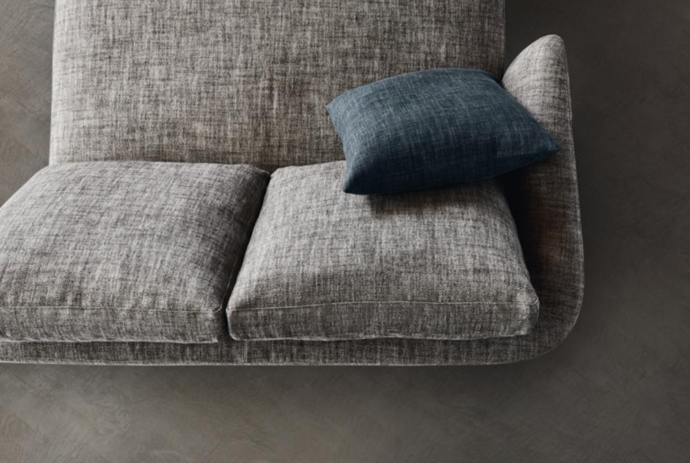 Molteni Sloane sofa zetel in design meubelwinkel Loncin in Hasselt Leuven Sint-truiden Antwerpen Mechelen Brussels Bruxelles interieurwinkel inteieurarchtect.png