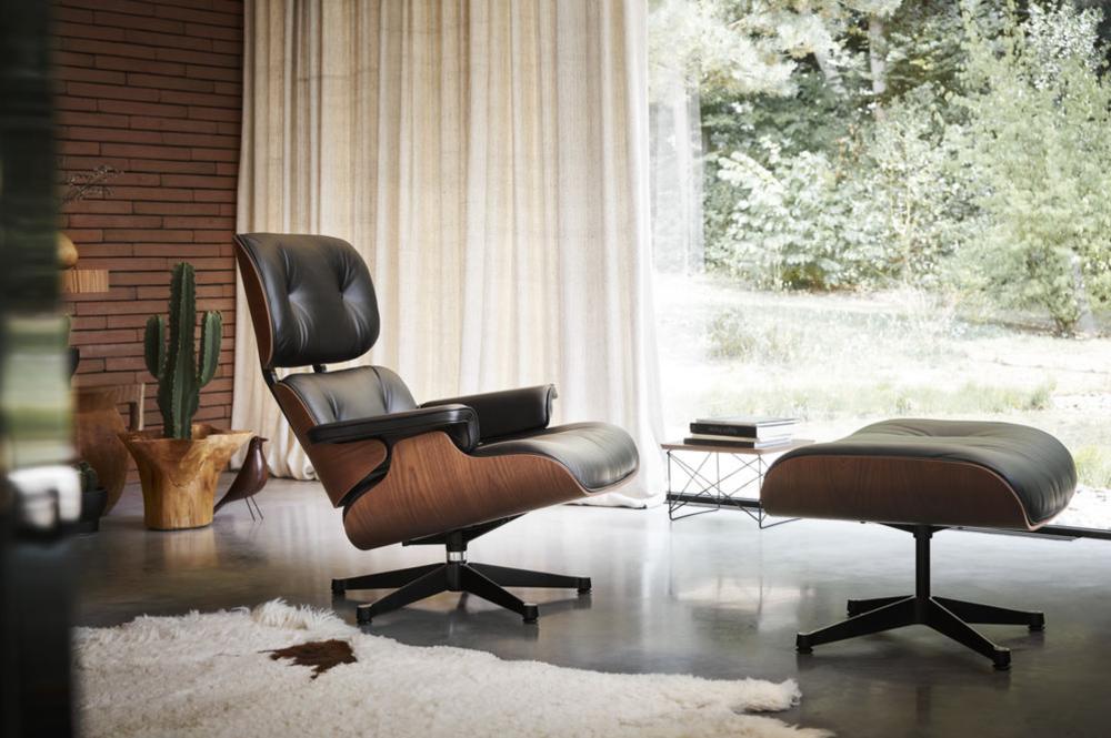 Ontvang bij iedere Eames Lounge Chair een cadeau vitra Loncin in Hasselt Mechelen Leuven Zoutleeuw sint-truiden brussels bruxelles designmeubelwinkel genkersteenweg Mahogany.png