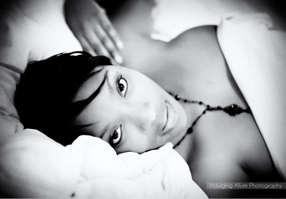 Romantic black and white boudoir photo
