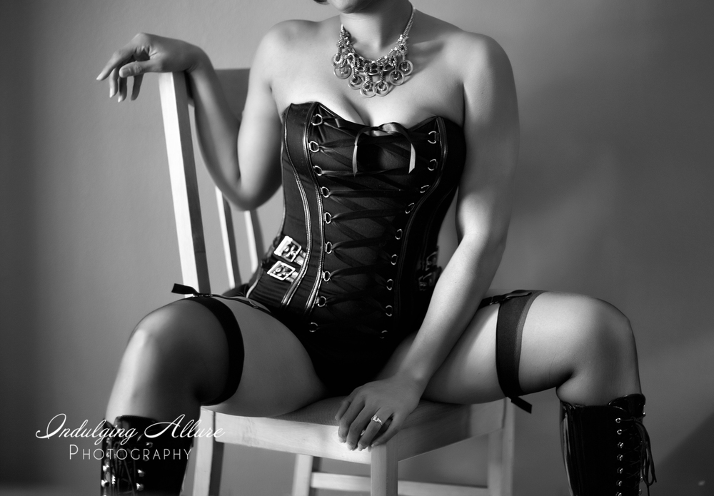 photo-fierce-badass-sexy-corset-tall-boots-photoshoot.jpg