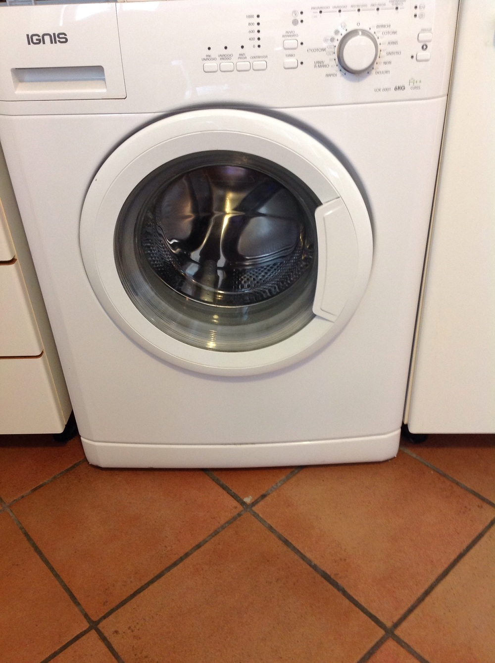 This washer takes 2 hours to wash my clothes and doesn't dry them for me.