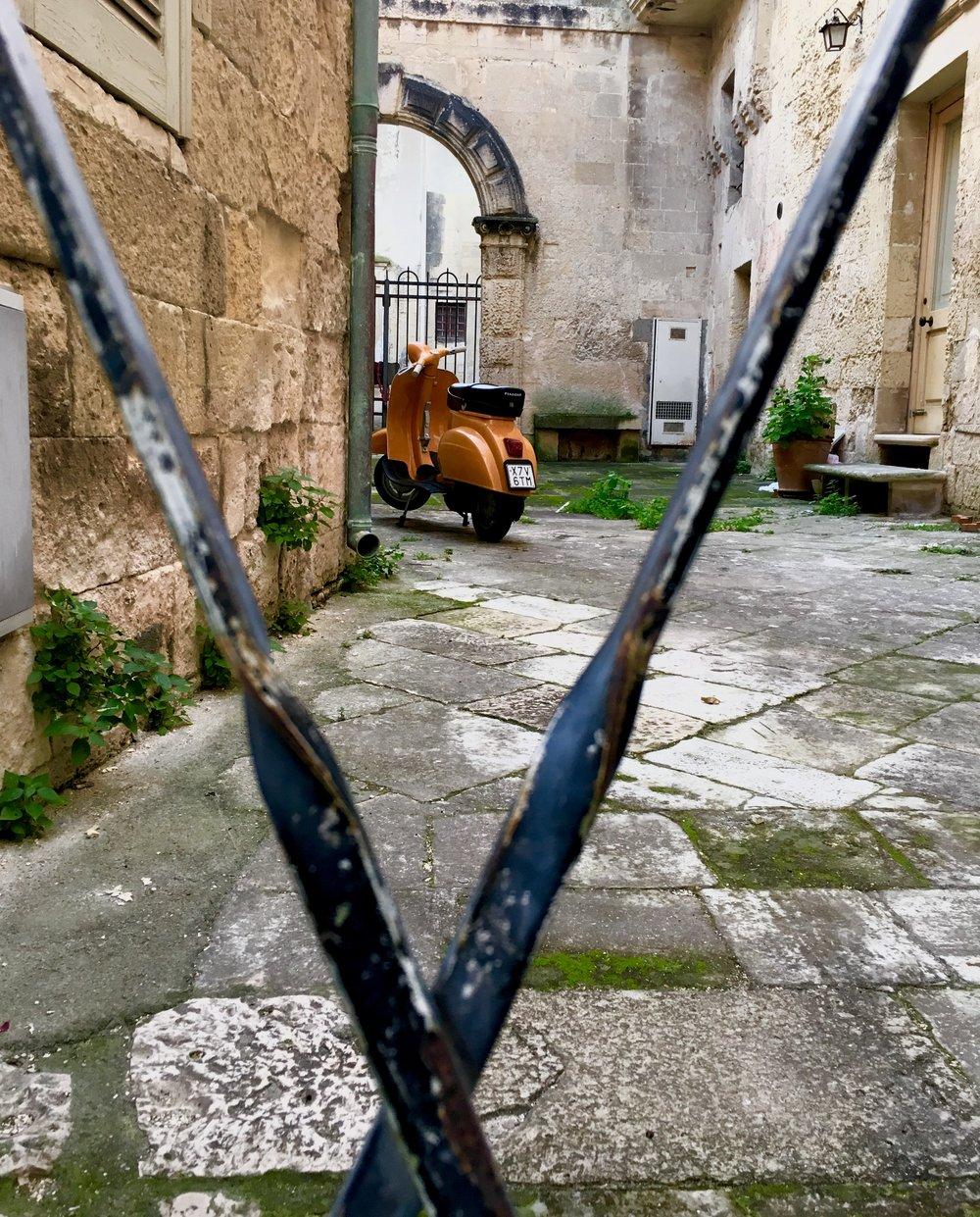 Lecce_scooter_puglia
