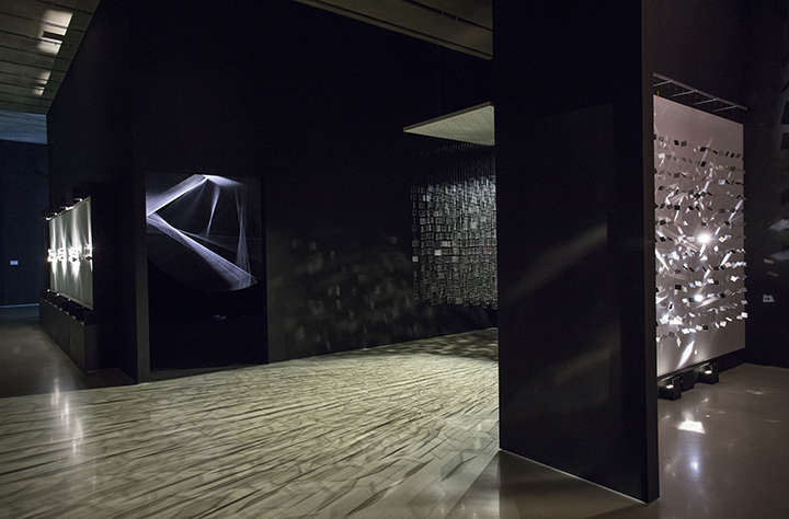 Installation view: Julio Le Parc: Form into Action, Pérez Art Museum Miami, Miami, 2016–17. Photo courtesy PAMM.