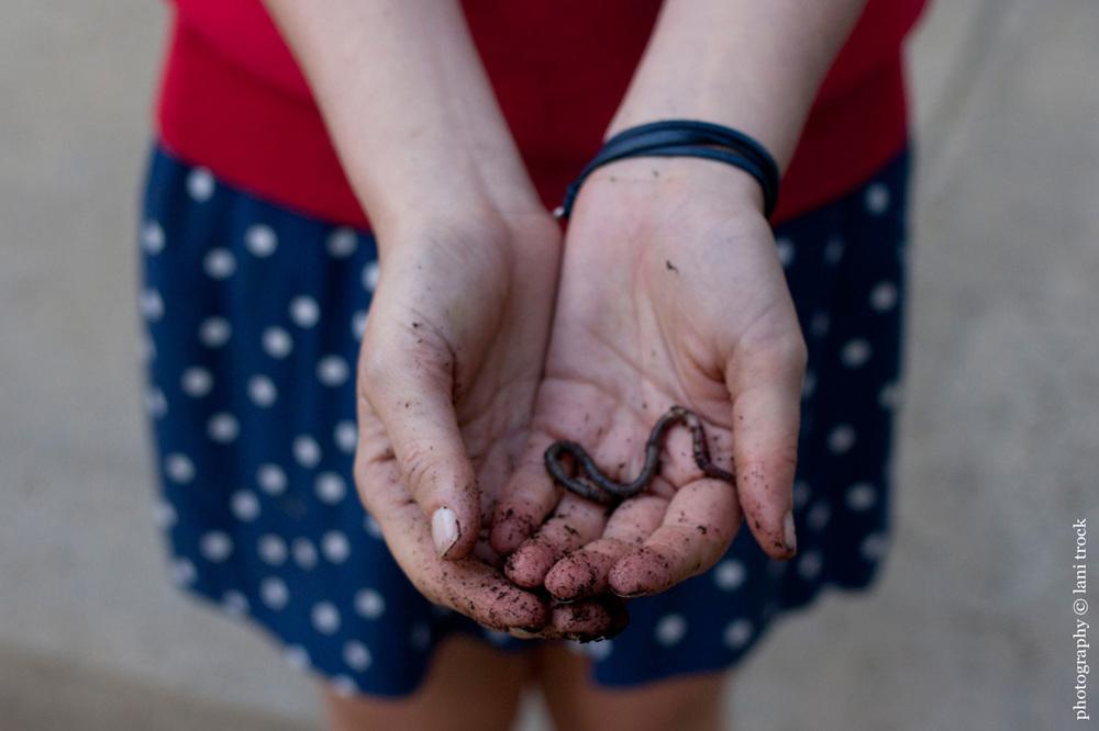 Ashleigh_earthworm.jpg