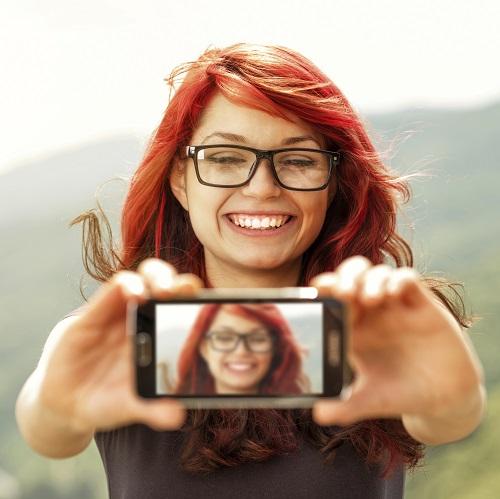 red-selfie