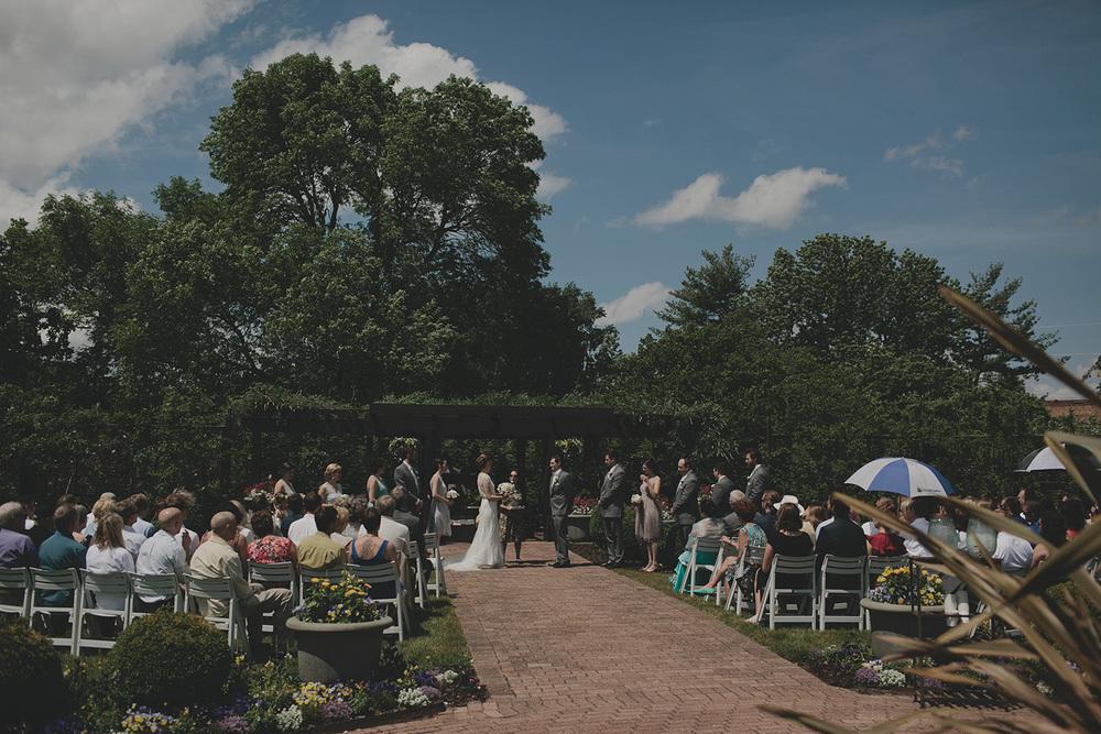 Olbrich Gardens Wedding_0022.jpg