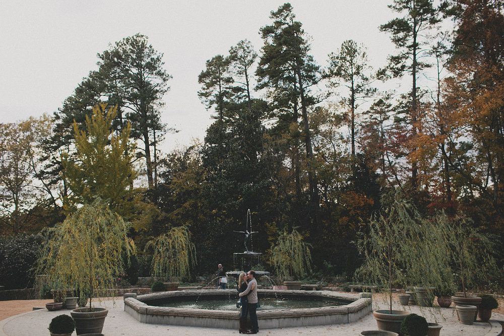 Botanical garden engagement photos_0009.jpg