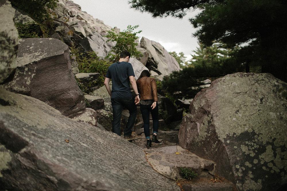 Devils Lake Engagement Photos007.jpg