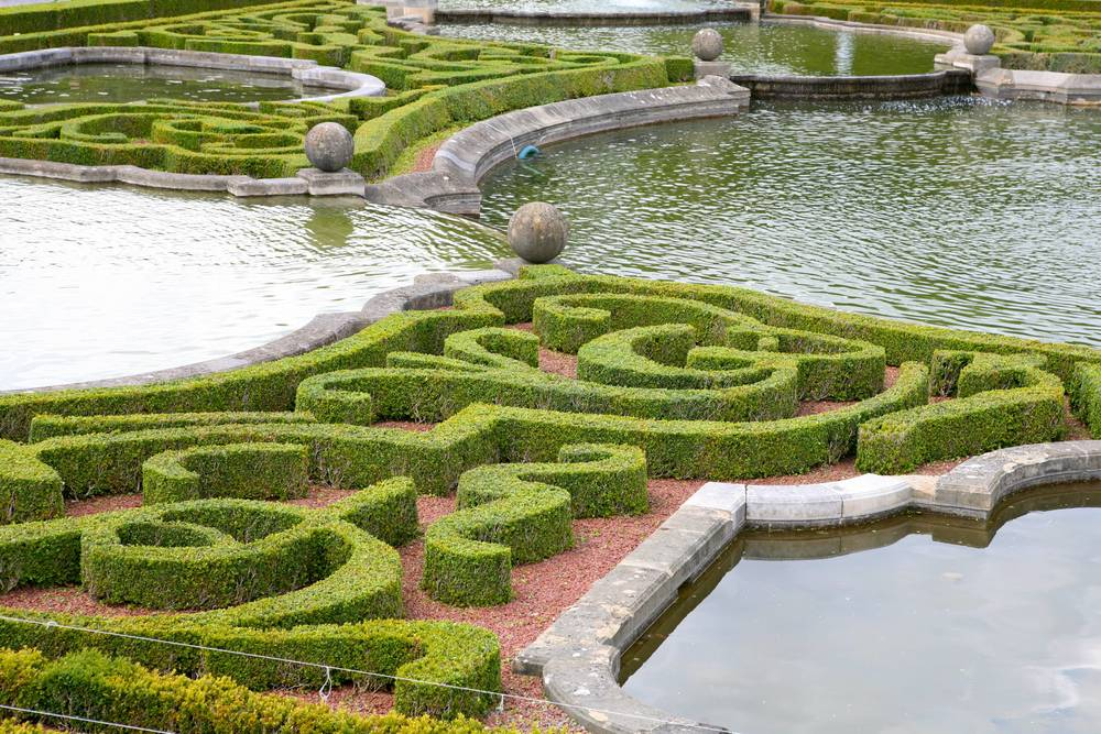 The Highly Ornate Clipped Box Pattern Is A Classic Element Of The European  Formal Garden.