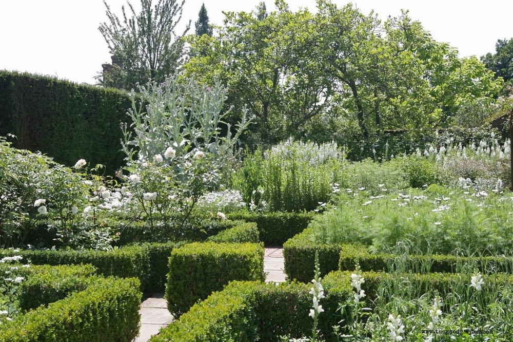 thegoodgarden|sissinghurst|368.jpg