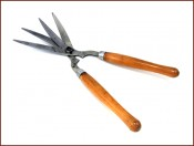 Hedging shears .  Source: Old Garden Tools Virtual Museum.