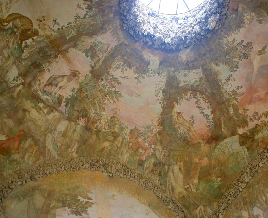 Grotto grande ceiling detail.