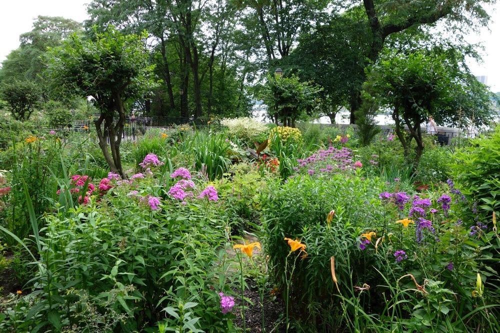 thegoodgarden|davidcalle|riversidepark|gardenpeople03481.jpg