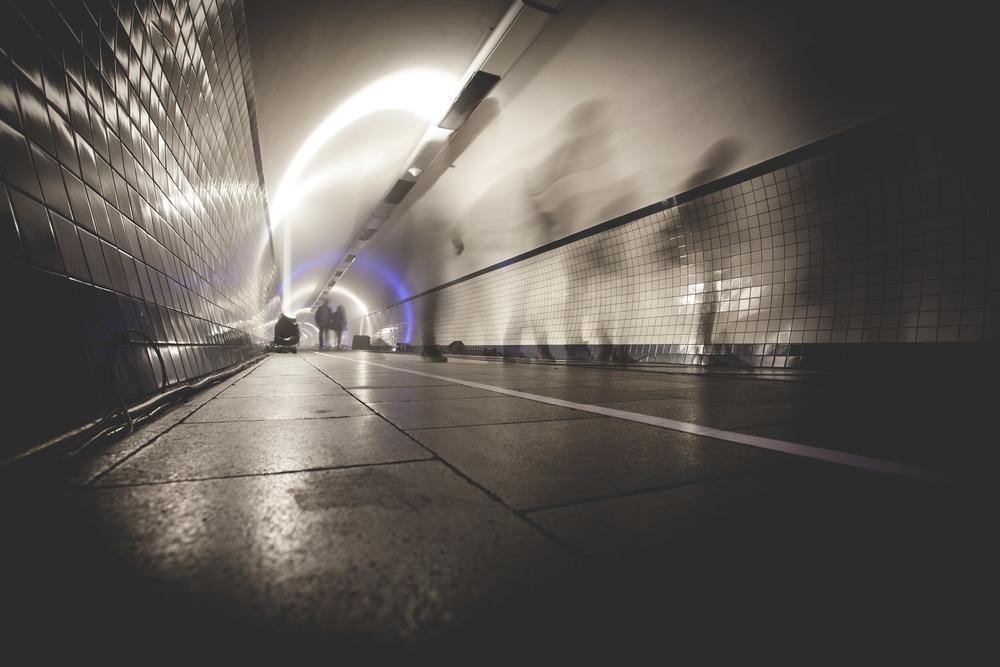 DWAALLICHT, voetgangertunnel, Antwerp