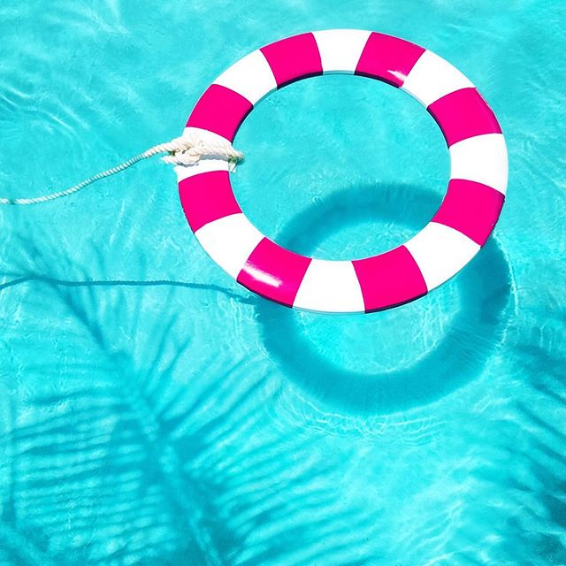 Sundays are #lifesavers 💁🏻⛱ . After @jeffmindell IG live about Iphone editing I challenged myself to put down the photoshop and only edit with #iphone ! Pretty happy wth the results ❤️😊