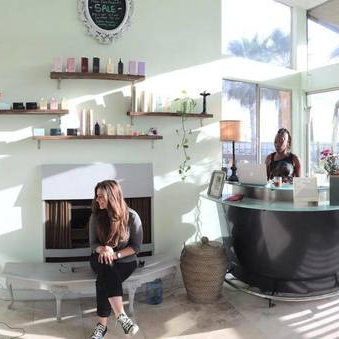 The Karma Code Meets a Salon  //    Lincoln & Rose
