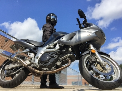 I'm a robot with the 2002 Suzuki SV650s