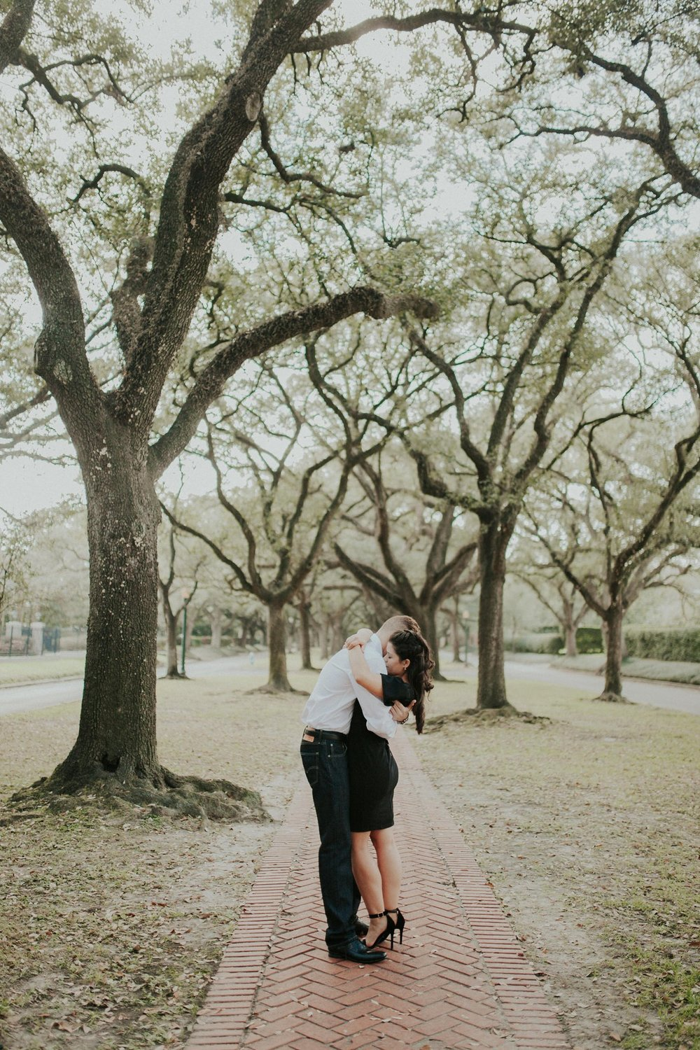 Ashley_and_Kyle___South_BLVD_Houston_Engagement_Session_1130.jpg