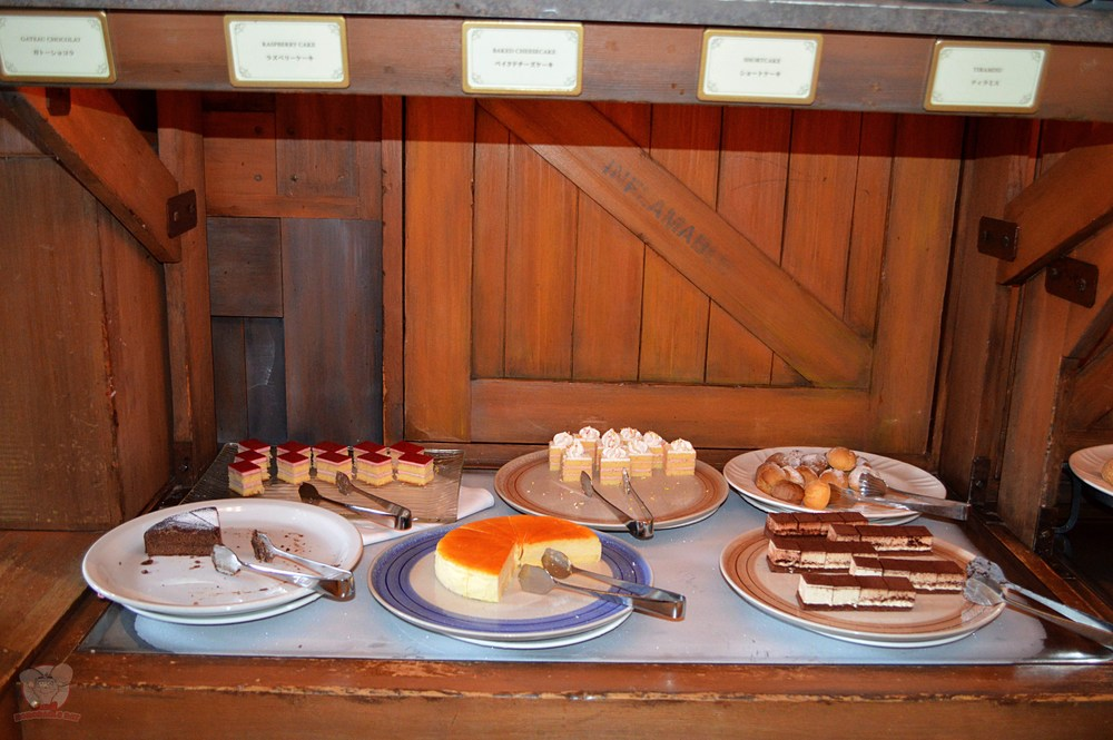 Dockside Desserts selection (B)