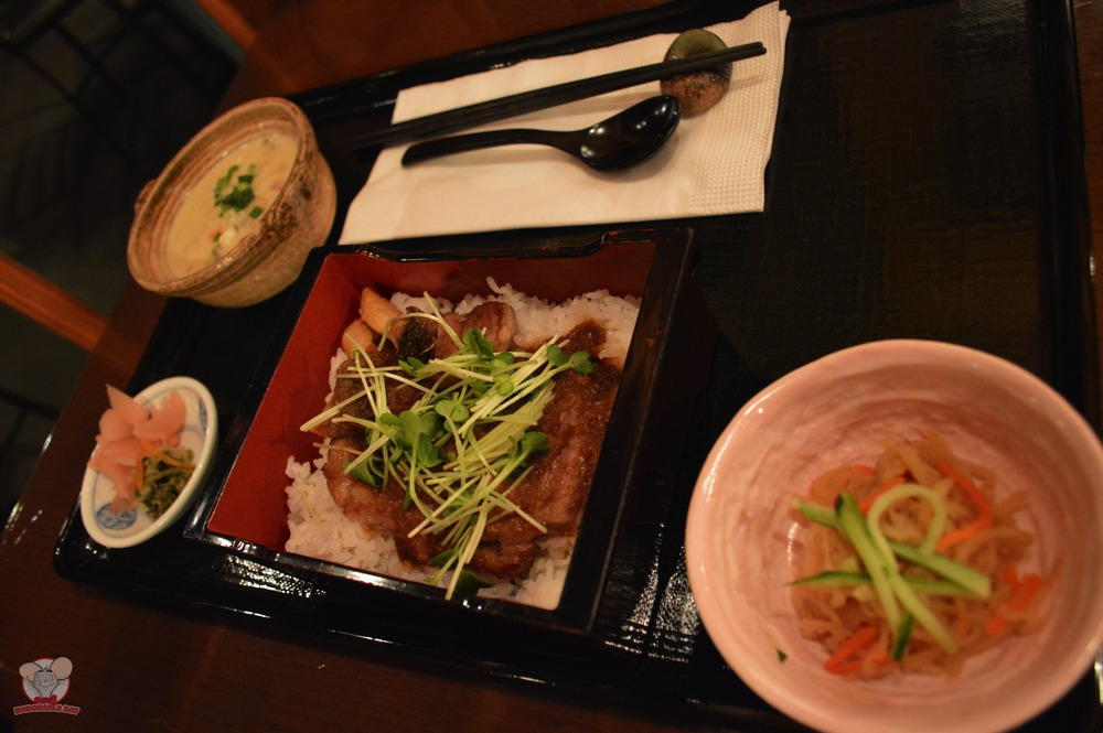 Beef Steak on Rice with Grated Daikon and Ponzu