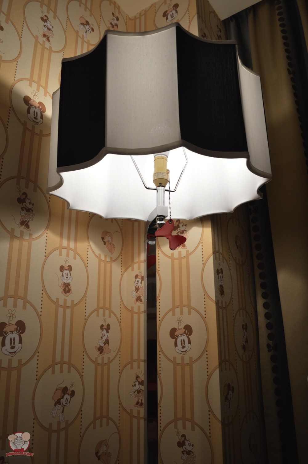 Minnie light stand