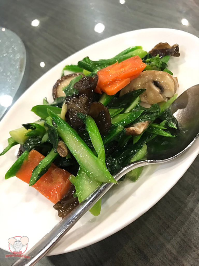 Sauteed Kailan with Assorted Mushroom & Fungus
