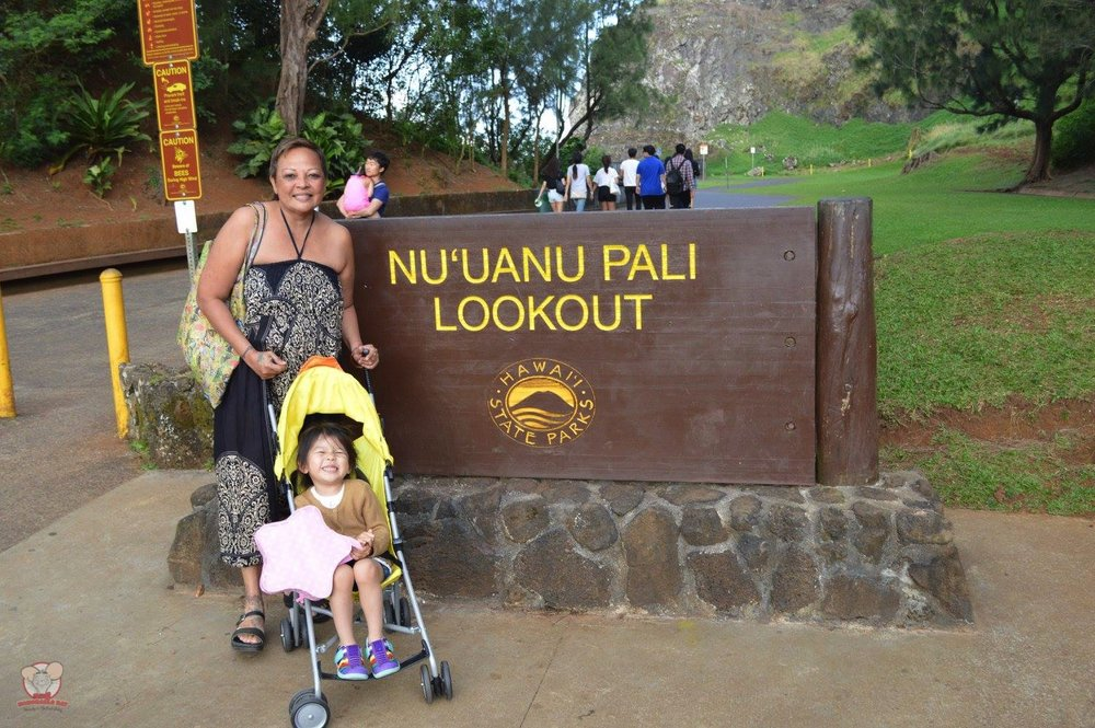 Big smiles at Nu'uanu Pali Lookout