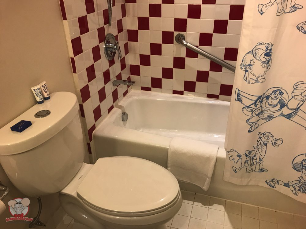 The throne and the bathtub