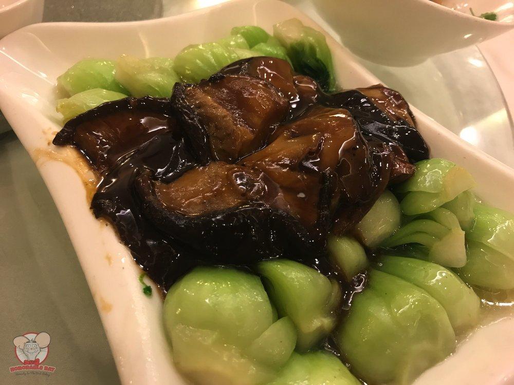 Chinese cabbage with shiitake mushroom
