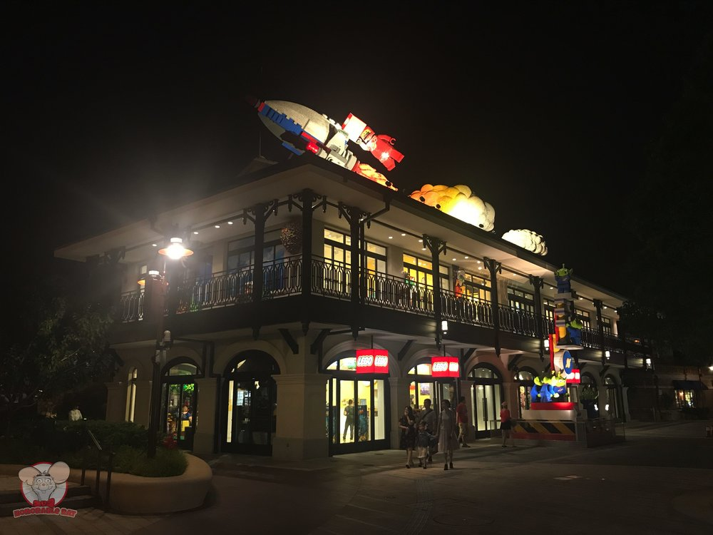 Lego Store in Shanghai Disneytown
