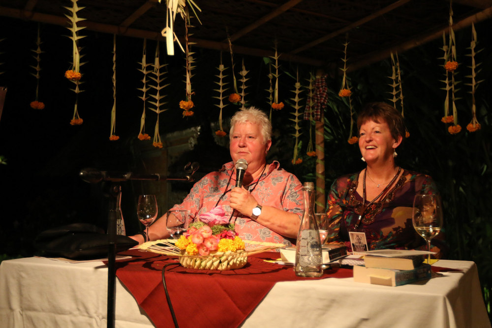 Scottish Queen of Crime, Val McDermid ('Wire in the Blood') speaks with Rosemary Sayer. She was relaxed, engaged, intelligent and wickedly funny ... as crime writers so often are. Image Credit: Vifick. Cocktails with a Queen of Crime. Il Giardino