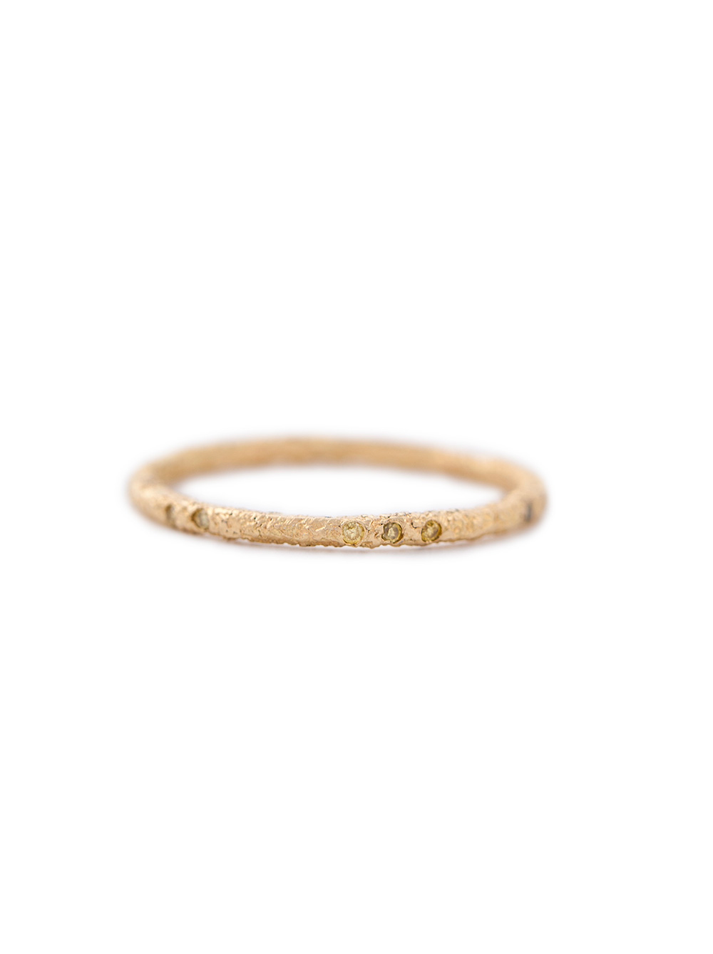 Yellow gold ring with 16 yellow diamonds