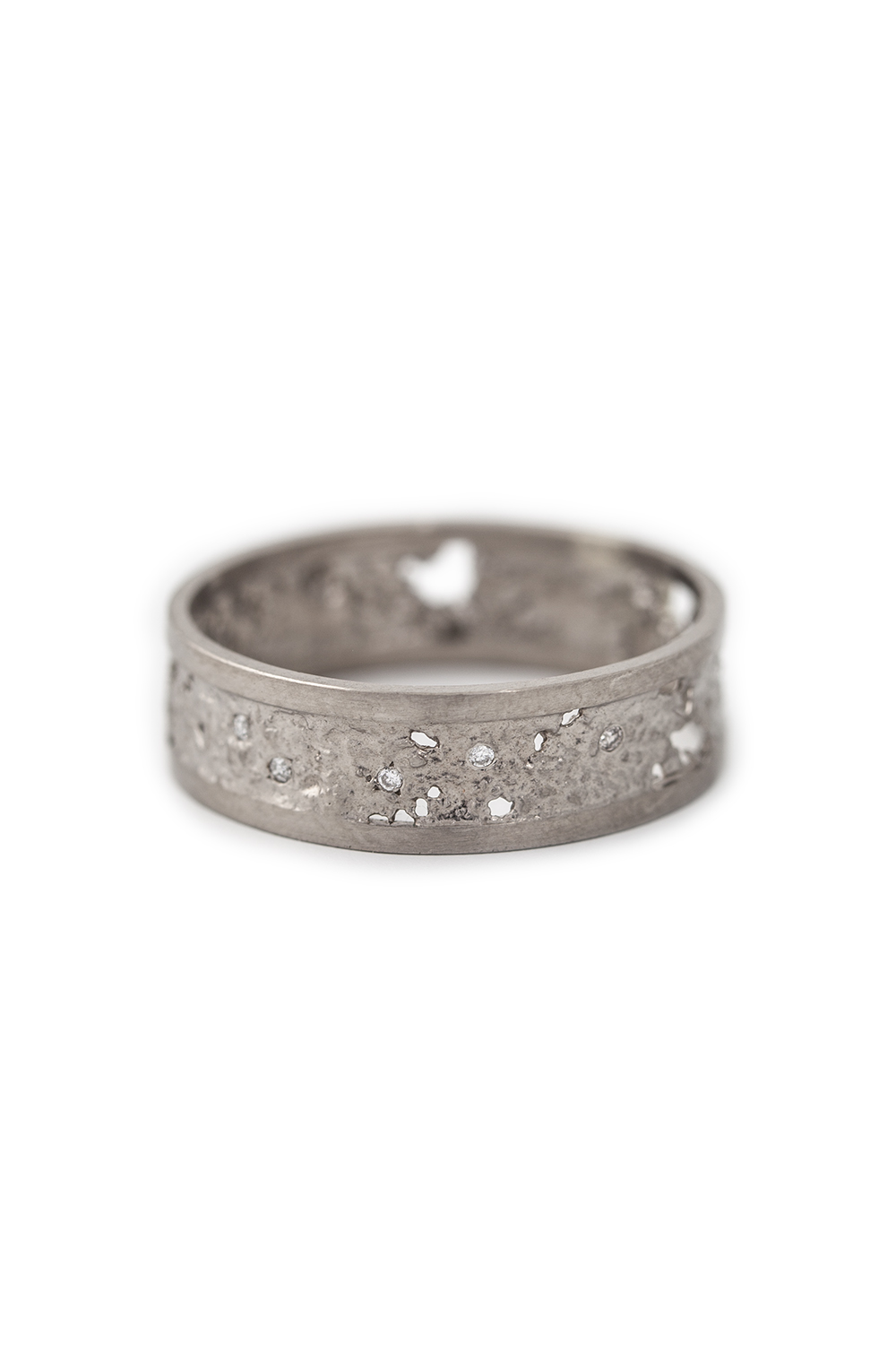 Raw Ring in white gold with 12 white diamonds, £1860