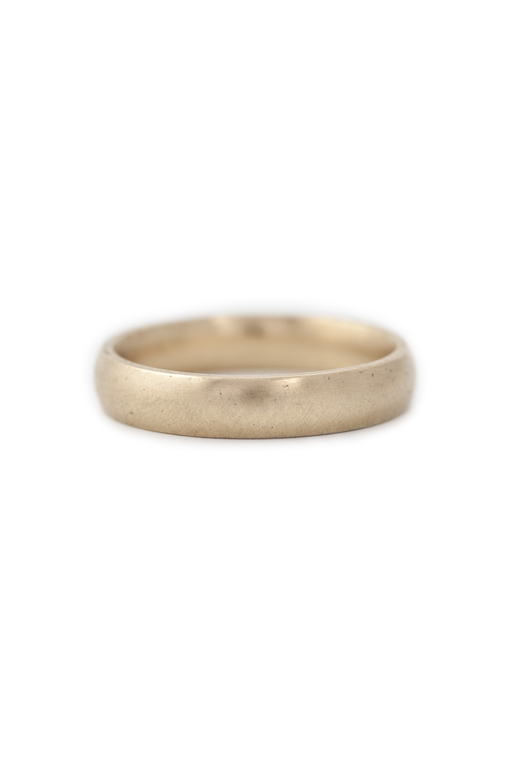 9ct Yellow gold wide band with curve edge