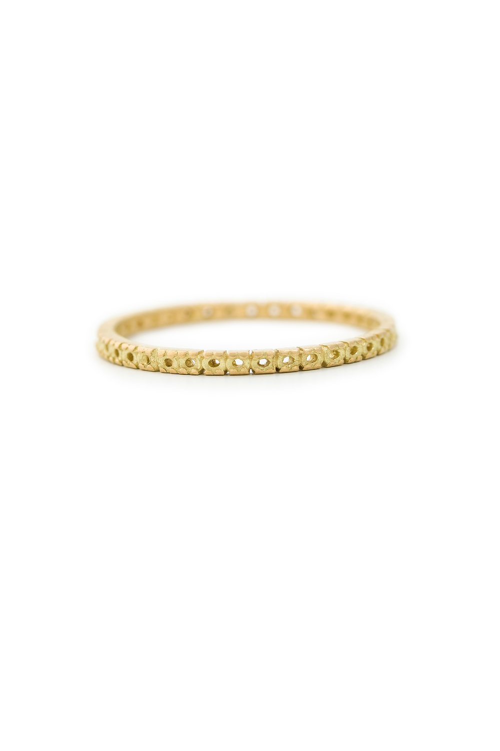 Open eternity ring in yellow gold