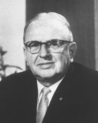 Norman Vincent Peale Ohio Wesleyan University Pastor, Author & Speaker ‡