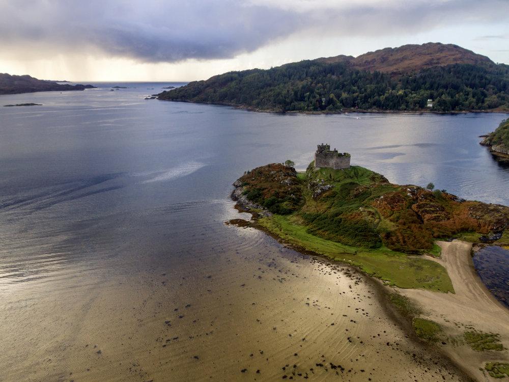 Castle Tioram 1400 x 1050.jpg