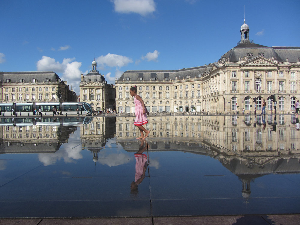 Fun at Bordeaux fountains_Jocelyn Hayes