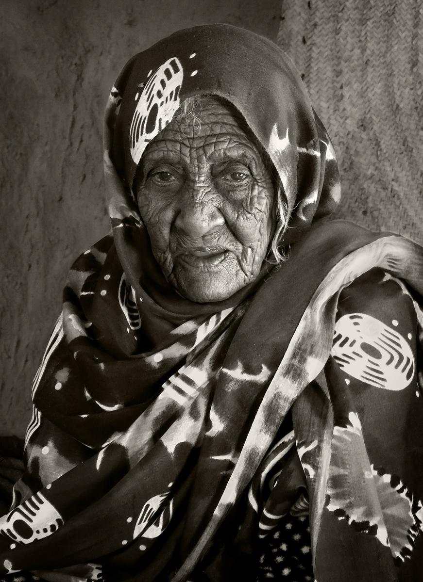 Bishari Lady, Sudan :: David Gough
